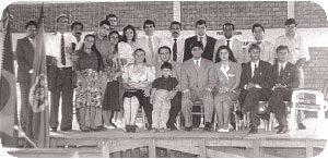 Em 1991 surge a Associação Missionária e Evangelística Heróis da Fé. Na foto, a equipe da Associação em flagrante tomado durante o I Congresso de Missões em Taquara, RS.