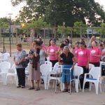 Parte do público que assistiu aos cultos na praça