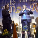 Missionário Librado Olmedo Rojas (à direita), do Paraguai, falou sobre a ação de Deus no país, com tradução feita pelo Pr. Francisco da Silva