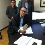 Momento de assinatura do Estatuto e da Ata de Constituição da Igreja - Pr. Francisco da Silva