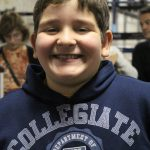 O menino Pedro, de 10 anos, filho do casal missionário