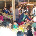 Ao final do dia, as crianças desfrutaram de um lanche juntas
