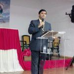 Pr. Humberto Schimitt Vieira, Presidente da AME Heróis da Fé, durante a Escola Bíblia em Lisboa