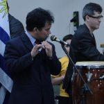 Missionário Ramesh também adorou ao Senhor com seu instrumento