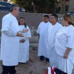 Pr. Remi Loch ministrando a Palavra para os candidatos ao batismo