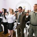 Autoridades presentes uniram-se em oração, juntamente com os detentos