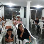 Público presente no culto de domingo