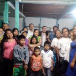 Povo que se reuniu para ouvir a Palavra de Deus em Iquitos