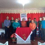 Equipe Heróis da Fé junto com irmãos da tribo Caingangue no interior da Cong. Setor ABC