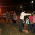 Pessoas tocadas por Deus no momento da oração